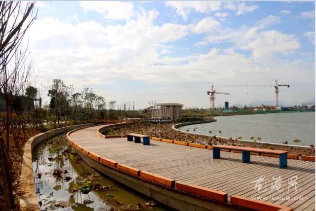 龙港新城休闲活动户外中心 月湖公园初现真容