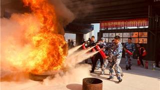 苍南县东海民防救援中心开展消防演练为生命护航